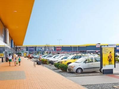 Nákupní parky STOP SHOP v České republice s novými službami i nabídkou