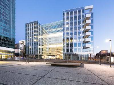 Skanska dokončila kancelářskou budovu Parkview. Projekt z dílny newyorských architektů doplní pankráckou pláň