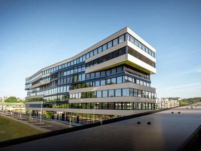 Crestyl refinancoval kancelářský projekt DOCK IN, německé banky investují přes 3,3 miliardy korun
